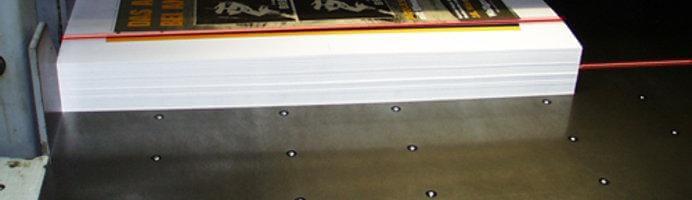 Laser News - Z-Laser Freibung - Lasersysteme und Laserprojektoren - Papierschnitt
